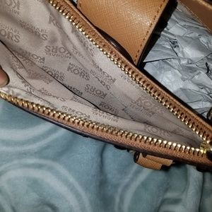 MICHAEL Michael Kors Bags - 🔥MAKE AN OFFER🔥NWT Michael kors studded Kellen🧡